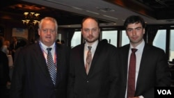 Слева направо: посол Рич Уильямсон, Владимир Кара-Мурза, Павел Ходорковский. Тампа, Флорида