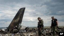우크라이나 정부군 수송기 추락 현장