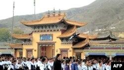 Hàng ngàn học sinh Tây Tạng biểu tình ở tỉnh Thanh Hải, Tây Bắc Trung Quốc, 19 Tháng 10 2010