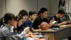 VOA连线(海伦):美国最新报告显示中国留学生人数增长速度放慢