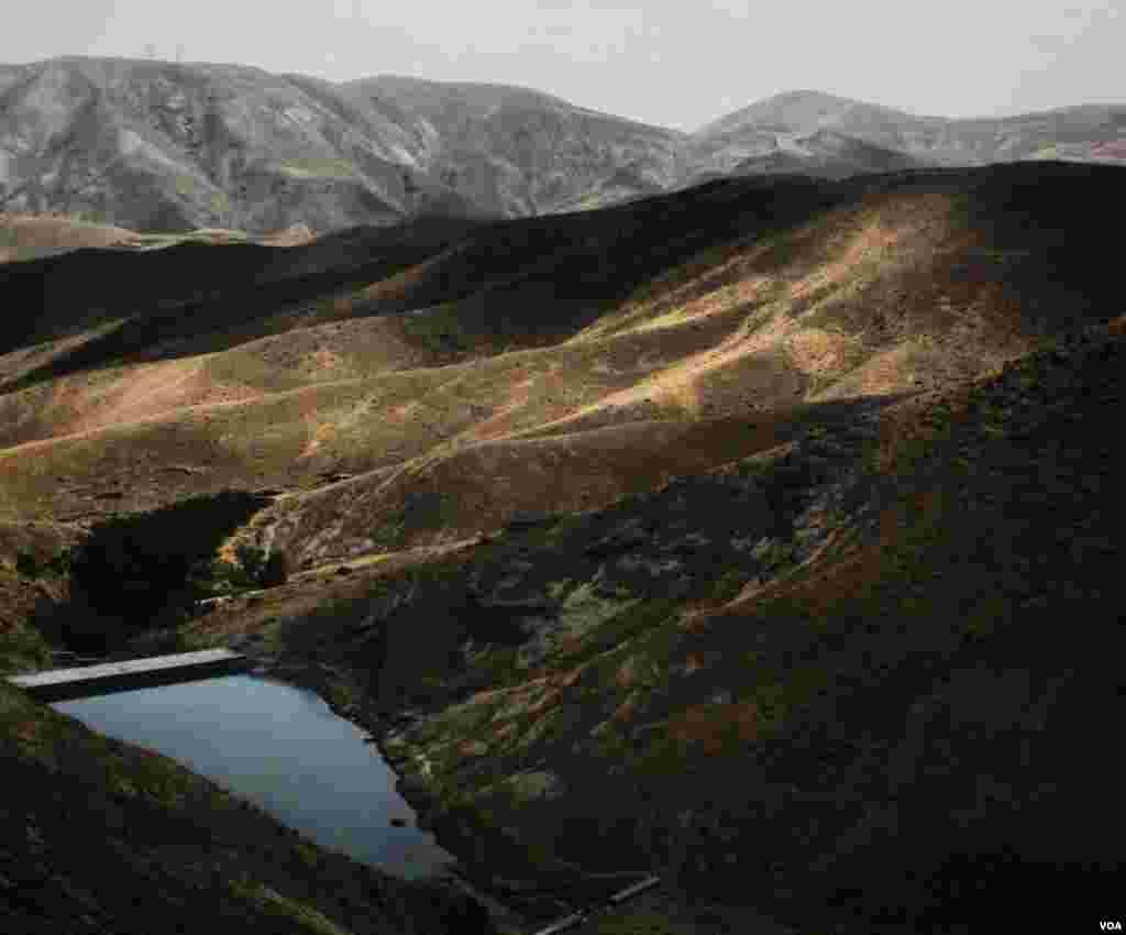 کوههای روستای وردیچ استان تهران عکس: آرش اکبرزاده (ارسالی شما)