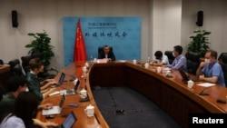 中國外交部軍控司司長傅聰在2021年8月25日的媒體吹風會上講話。