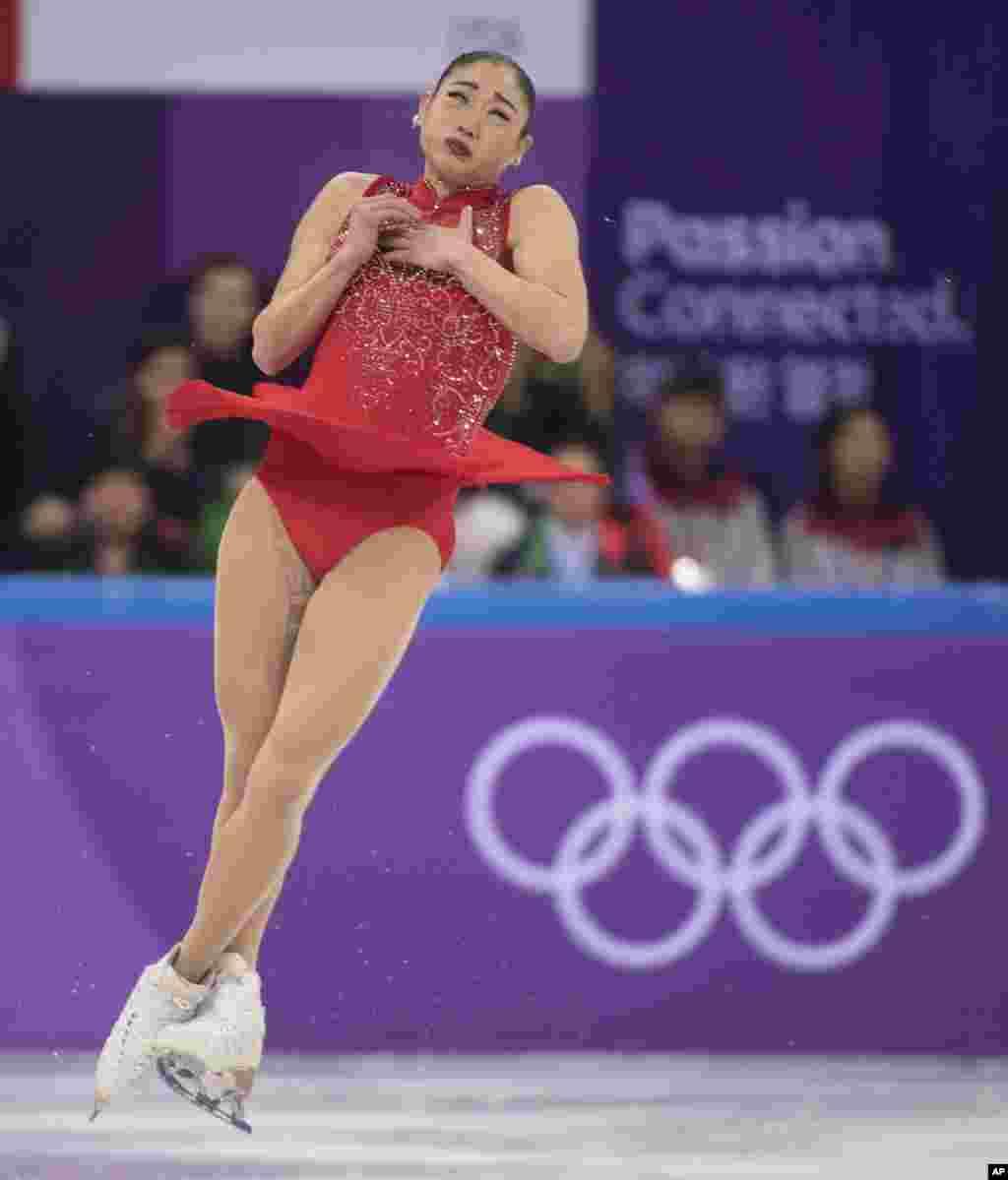 美國花樣滑冰運動員長洲未來(Mirai Nagasu)參加2018年平昌冬奧會的女子花樣滑冰比賽。她獲得銀牌。 (2018年2月12日)