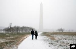 Сніг випав у столиці США