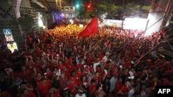 Ðoàn biểu tình 'Áo Ðỏ' tụ tập trong khu thương mại ở Bangkok