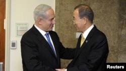 U.N. Secretary-General Ban Ki-moon (R) and Israel's Prime Minister Benjamin Netanyahu shake hands during their meeting at the prime minister's residence in Jerusalem November 20, 2012. Israel wants to find a long-term, diplomatic solution to resolve the G