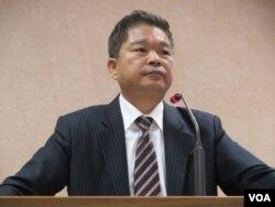 台湾在野党民进党立委蔡煌琅10月31号于立法院 (美国之音 张永泰)