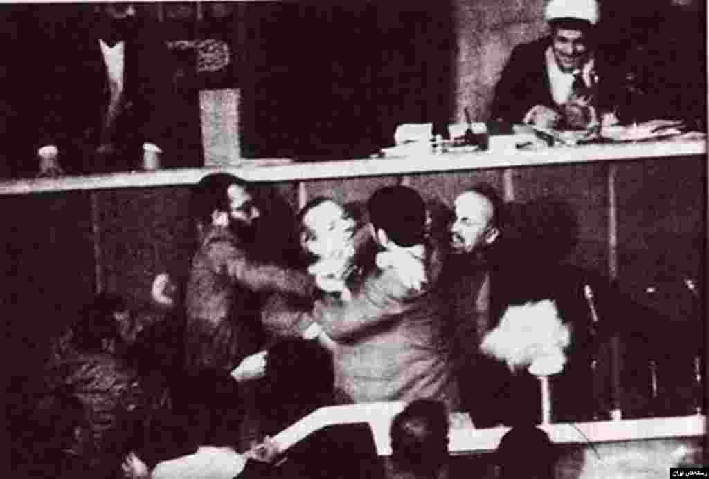 هاشمی رفسنجانی دو دوره رئیس مجلس شورای اسلامی بود. در دوره اول ریاست او مجلس شاهد درگیری میان منتقدان ملی مذهبی و چهره های تندروی انقلابی بود.