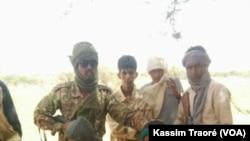 Affrontements entre le GATIA et la CMA dans la région de Gao, Mali, le 1 décembre 2016. (VOA/Kassim Traoré)
