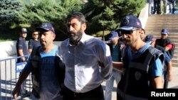 Kể từ khi âm mưu đảo chính xảy ra, khoảng 30.000 người đã bị bắt giữ vì bị cáo buộc có liên quan tới cuộc đảo chính.
