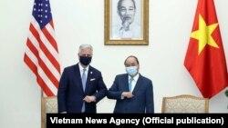 Điểm tin ngày 28/11/2020 - Cố vấn anh ninh Mỹ là 'đĩa thí nghiệm sinh học' trong chuyến thăm Việt Nam