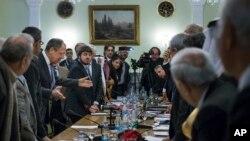 Сергей Лавров на встрече с сирийской оппозицией в январе 2015