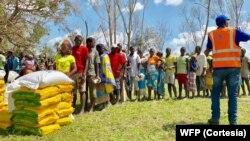 Distribuição de produtos alimentares em Moçambique
