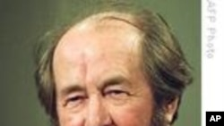Literary Giant, Solzhenitsyn Dies