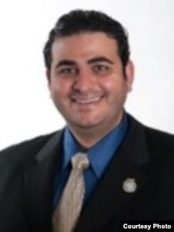 """""""美国阿拉伯反歧视委员会""""法律顾问阿贝德•阿尤布(Abed A. Ayoub) (本人提供)"""