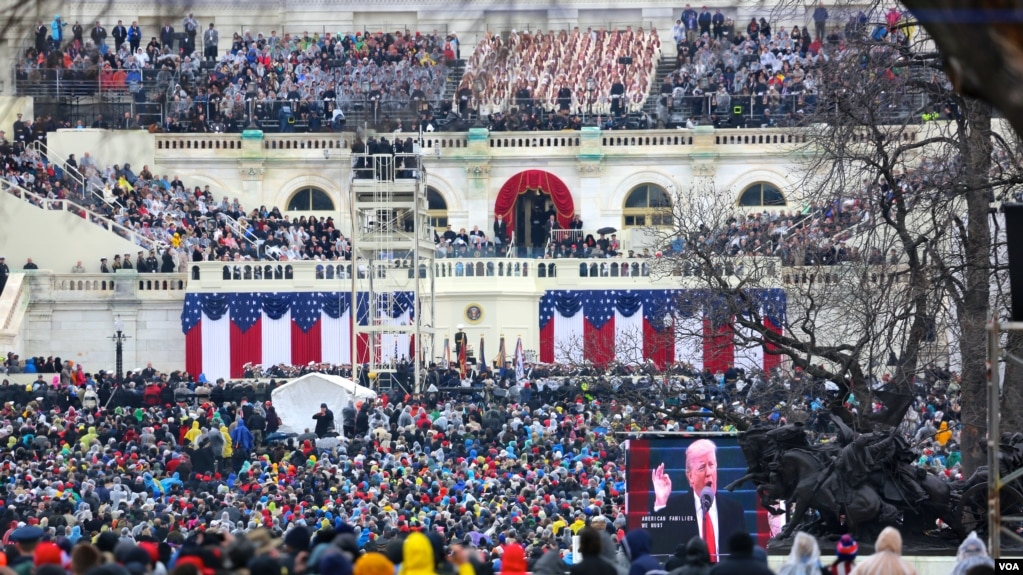 Factcheck: Trump and Spicer's Statements on Inaugural Crowd Size