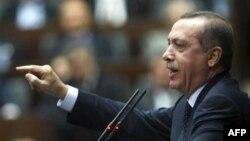 Turkiya Assadni ketishga ko'ndiradimi yo urush boshlaydimi?