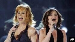 Reba McEntire será la anfitriona, en tanto Kelly Clarkson fiigura entre las nominadas.
