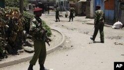케냐의 경찰들. (자료사진)