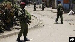 Cảnh sát Kenya tại hiện trường sau vụ nổ nhà thờ