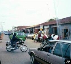 Une scène de rue à Jos