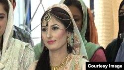 آمنہ گل کی شادی امریکہ میں مقیم پاکستانی کے ساتھ انجام پائی۔