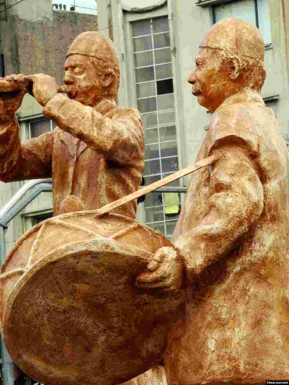 مجسمه های میدان قدس تجریش نوروز ٩٣ عکاس: علی درویش خاکی