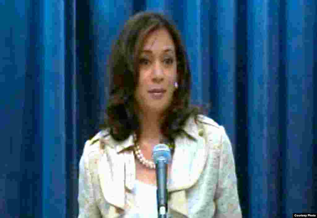加州检察长哈里斯欢迎裁决(网路新闻发布会翻拍)