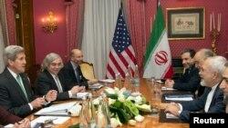 Cuộc họp giữa Ngoại trưởng Hoa Kỳ John Kerry va Ngoại trưởng Iran Javad Zarif về chương trình hạt nhân của Iran, Lausanne 17/3/15
