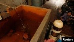 Hệ thống lọc nước đặt trong nhà ở làng Chàng Sơn. (Ảnh minh họa)