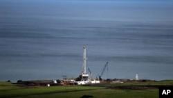 Exploration pétrolière sur la rive du lac Albert, 25 avril 2008.
