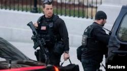 美国特勤局特工在华盛顿白宫工作