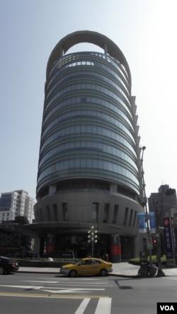 台湾润泰集团所在台北办公大楼 (美国之音申华拍摄)