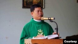 Linh mục Đinh Hữu Thoại. Photo provided by Dinh Huu Thoai.