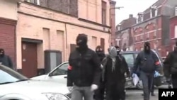 ۱۰ افراطی مظنون در فرانسه دستگير شدند