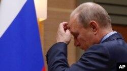 En declaraciones transmitidas por la televisión rusa el miércoles 5 de diciembre de 2018, el presidente ruso, Vladimir Putin, aseguró que su gobierno responderá si EE.UU. se separa del pacto de armas nucleares firmado durante la Guerra Fría.
