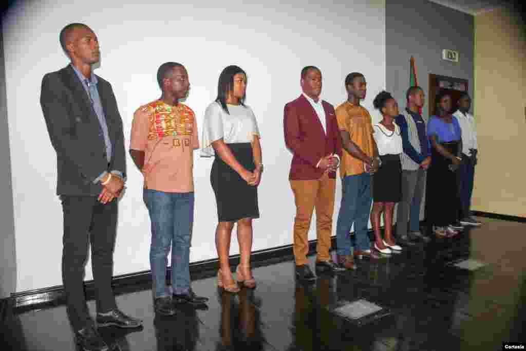 Membros dos órgãos sócios do Conselho Nacional da Juventude sendo empossados no Centro Cultural Brasil-São Tomé, 5 de março de 2018.