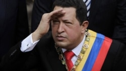 El mandatario venezolano aparece en la red social de microbloging como @Chavezcandanga.