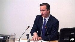 ນາຍົກລັດຖະມົນຕີອັງກິດ ທ່ານ David Cameron ກ່າວວ່າ ກຸ່ມທາລິບານ ບໍ່ຄວນຈະມີຄວາມສົງໄສໄດໆເລີຍ ກັບ ການຮັກສາຄວາມປອດໄພຂອງທະຫານອັຟການິສຖານ.