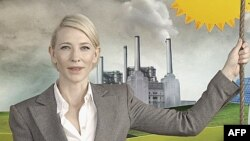 Diễn viên Australia Cate Blanchett trong 1 quảng cáo ủng hộ thuế carbon, Sydney, 30/5/2011
