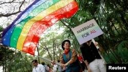 "Komunitas LGBT Thailand melakukan parade pada ""Gay Freedom Day Parade"" di Bangkok, Thailand akhir bulan lalu (29/11)."