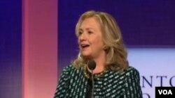 Mme Clinton s'exprimant à l'Initiative globale Clinton à New York