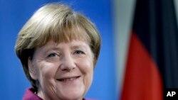 Merkel နဲ႔ Trump ေတြ႕ဆုံမႈ ေသာၾကာေန႔ ေရႊ႕ဆုိင္း