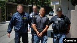 Entre los arrestados figura un sudamericano y un centroamericano por violaciones de derechos humanos y narcotráfico.[Foto: Cortesía, ICE].