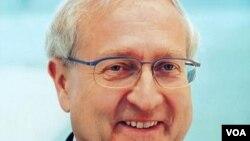 Cinsel tacizle suçlanan başbakan adayı Rainer Brüderle