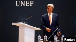 El secretario de Estado de EE.UU., John Kerry, pronunció un discurso para promover las metas de su país en cambio climático, en una reunión en Kigali, Rwanda, el 14 de octubre, de 2016.