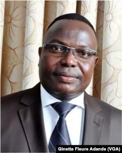 Hervé Hehomey, ministre des transports du Bénin, à Cotonou, le 17 mai 2017. (VOA/Ginette Fleure Adande)