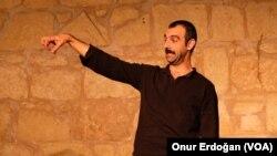 Tiyatro oyuncusu ve yönetmeni Sertaç Demir