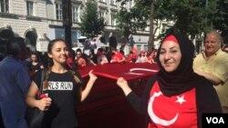 Imyiyerekano mu gisagara Vienna yiyamiriza ibitero bigirwa n'umugambwe PKK muri Turukiya.
