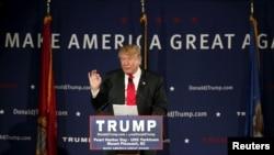 美国共和党总统参选人川普在南卡罗莱纳州向支持者发表讲话。(2015年12月7日)